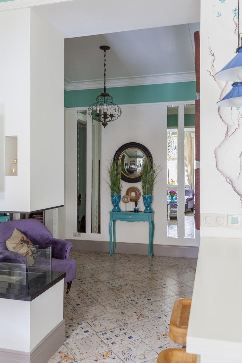 Фотография: Гостиная в стиле Эклектика, Квартира, Проект недели, Москва, Кирпичный дом, 2 комнаты – фото на INMYROOM