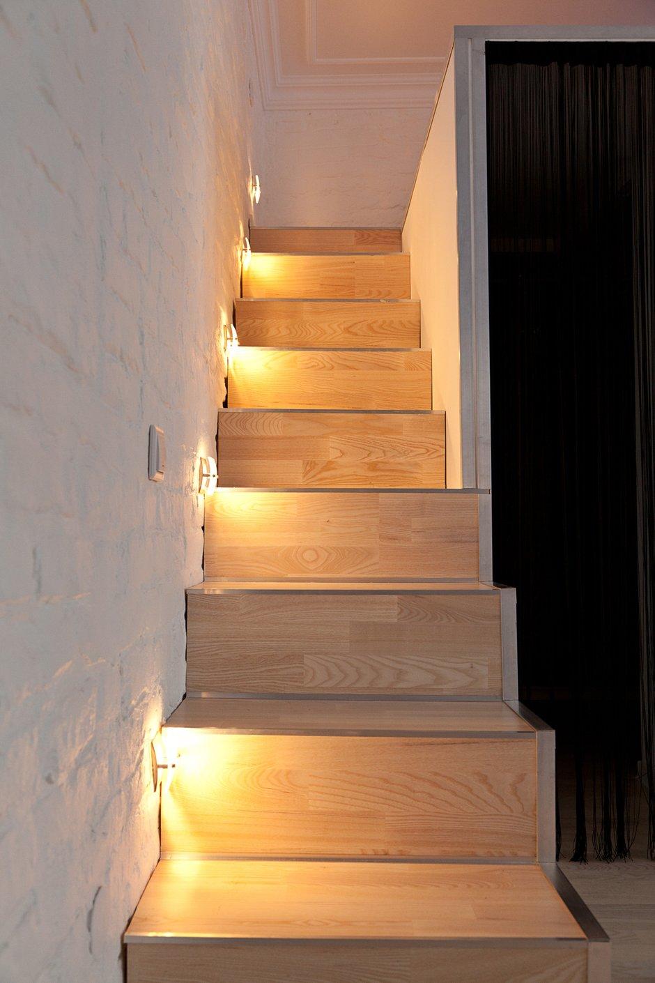 Фотография: Мебель и свет в стиле , Лофт, Малогабаритная квартира, Квартира, Цвет в интерьере, Дома и квартиры, Стены – фото на INMYROOM