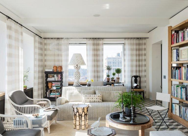 Фотография: Гостиная в стиле Прованс и Кантри, Декор интерьера, Малогабаритная квартира, Квартира, Нью-Йорк, Гид – фото на INMYROOM