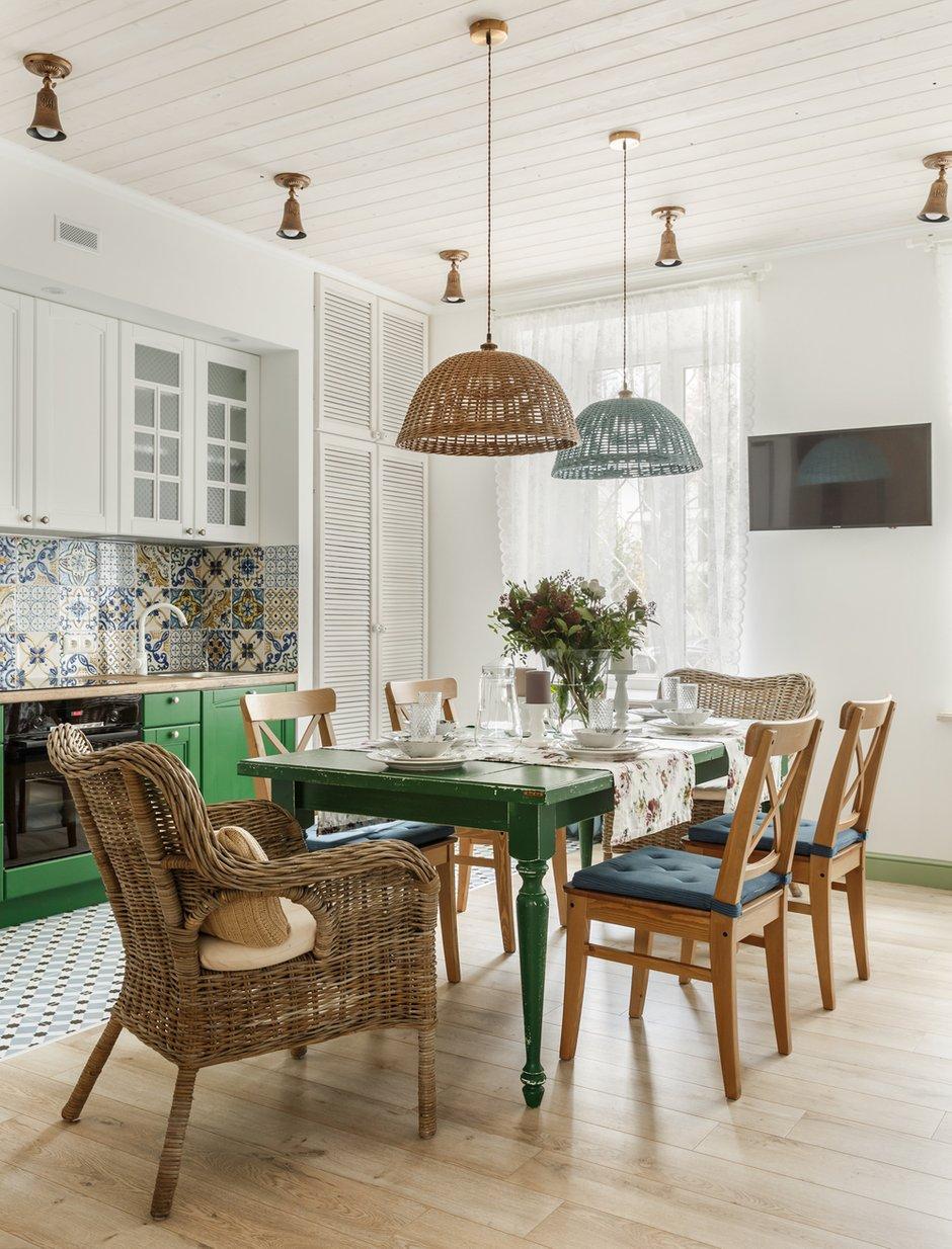 Фотография: Кухня и столовая в стиле Прованс и Кантри, Квартира, Проект недели, Москва, 3 комнаты, 60-90 метров – фото на INMYROOM