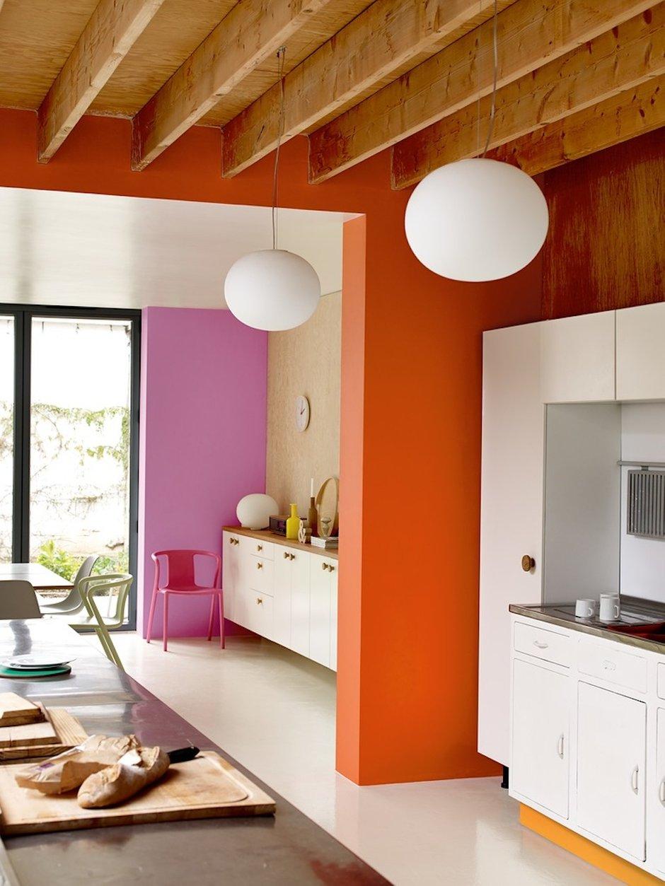 Фотография: Кухня и столовая в стиле Современный, Декор интерьера, Дизайн интерьера, Цвет в интерьере, Dulux, Оранжевый, ColourFutures – фото на INMYROOM