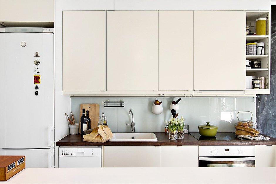 Фотография: Кухня и столовая в стиле Современный, Скандинавский, Малогабаритная квартира, Квартира, Франция, Дома и квартиры – фото на INMYROOM
