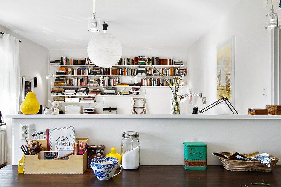 Фотография:  в стиле Лофт, Скандинавский, Малогабаритная квартира, Квартира, Франция, Дома и квартиры – фото на InMyRoom.ru