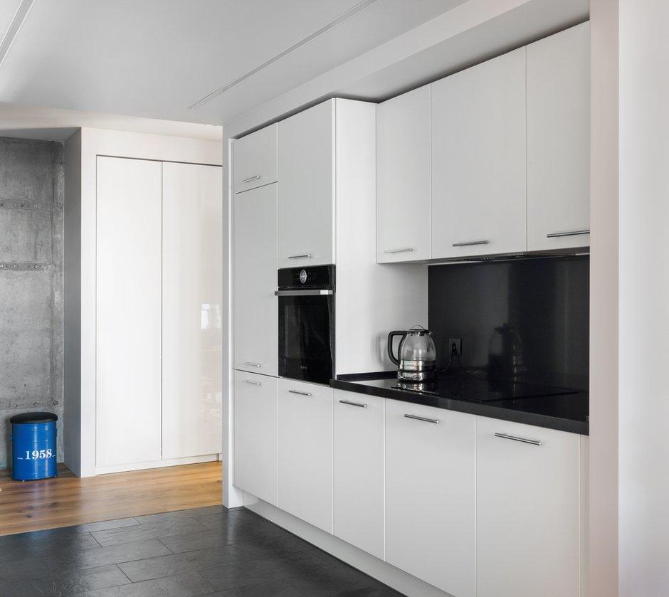 Фотография: Кухня и столовая в стиле Современный, Квартира, Проект недели, Geometrium, Монолитный дом, 2 комнаты, 60-90 метров, ЖК «Сколковский» – фото на INMYROOM