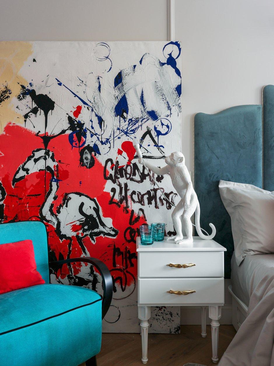 Фотография: Спальня в стиле Эклектика, Квартира, Проект недели, Москва, Сталинка, Кирпичный дом, Дарья Василькова, 3 комнаты, 60-90 метров – фото на INMYROOM