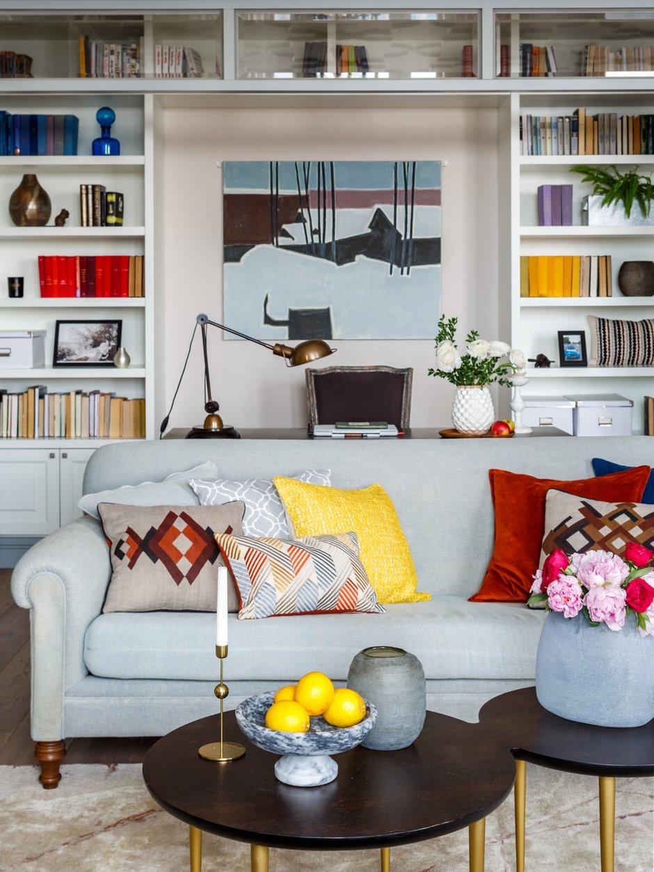 Фотография: Гостиная в стиле Прованс и Кантри, Декор интерьера, Квартира, Проект недели, Москва, Надя Зотова, 3 комнаты, Более 90 метров, студия Enjoy Home, Монолитно-кирпичный – фото на INMYROOM