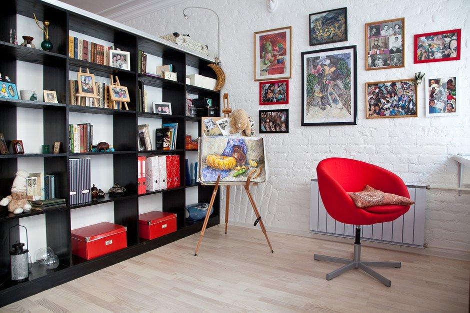 Фотография: Офис в стиле Лофт, Современный, Малогабаритная квартира, Квартира, Цвет в интерьере, Дома и квартиры, Стены – фото на INMYROOM
