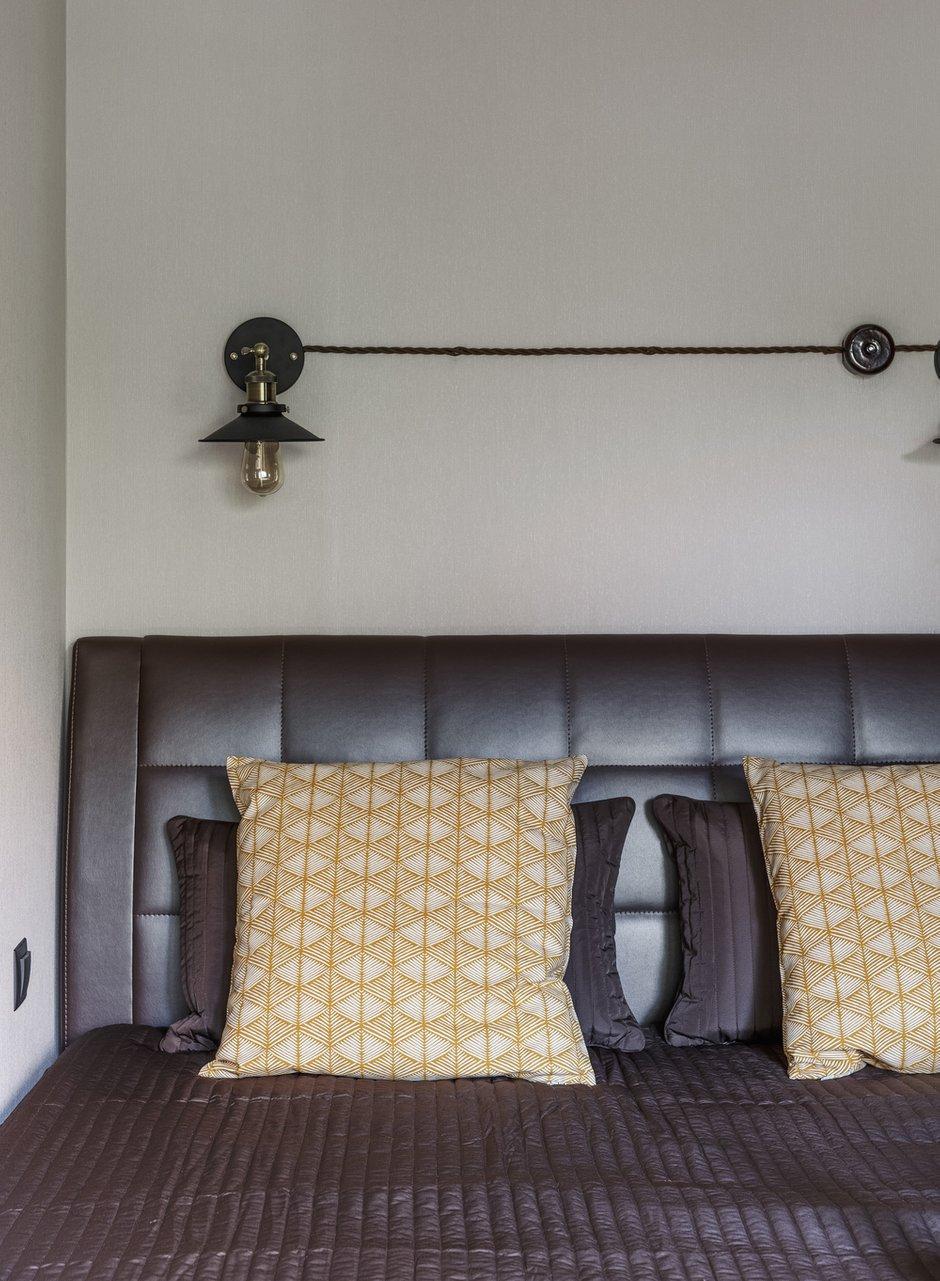 Фотография: Спальня в стиле Лофт, Малогабаритная квартира, Квартира, Студия, Проект недели, Москва, Марина Саркисян, Кирпичный дом, до 40 метров – фото на INMYROOM