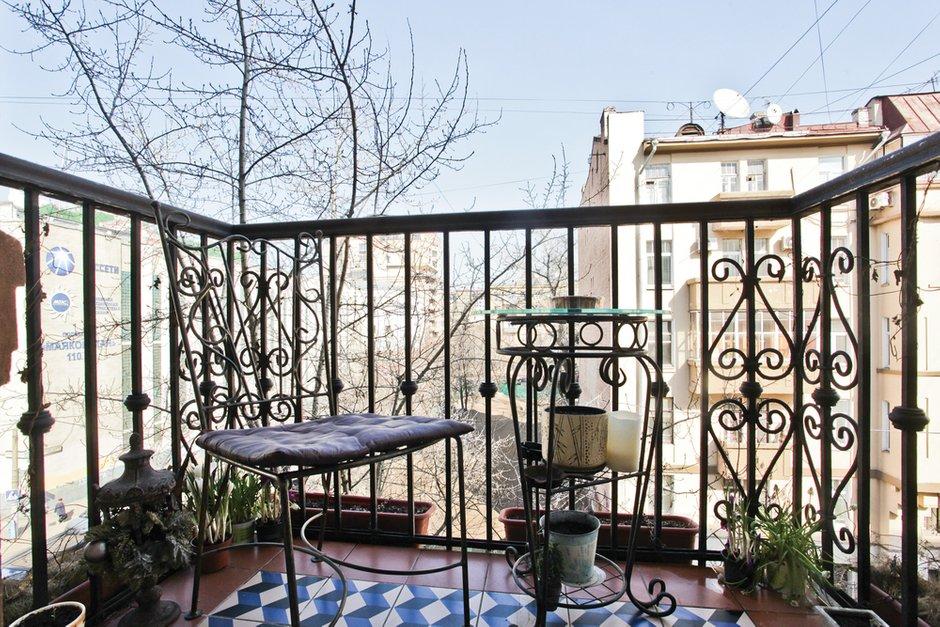Фотография: Балкон, Терраса в стиле , Классический, Квартира, Дома и квартиры, Проект недели – фото на INMYROOM