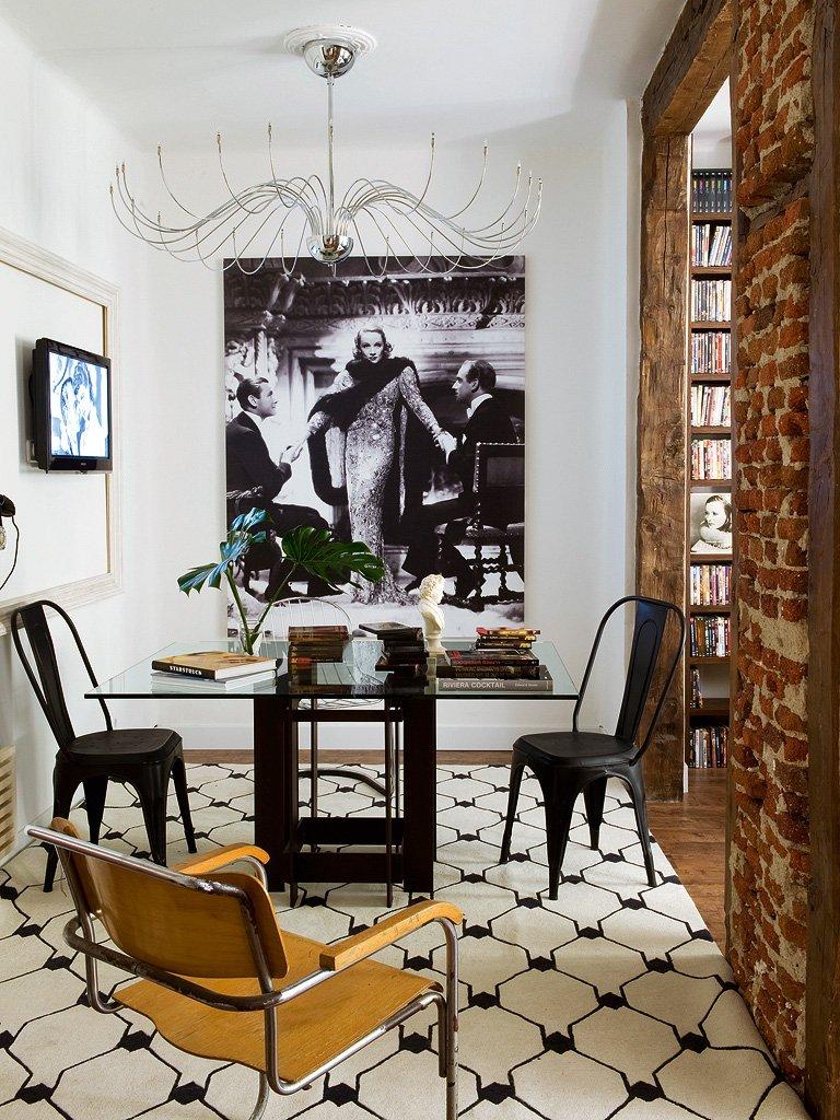 Фотография: Кухня и столовая в стиле Лофт, Гостиная, Декор интерьера, Интерьер комнат, Проект недели, Стена, Мадрид – фото на INMYROOM