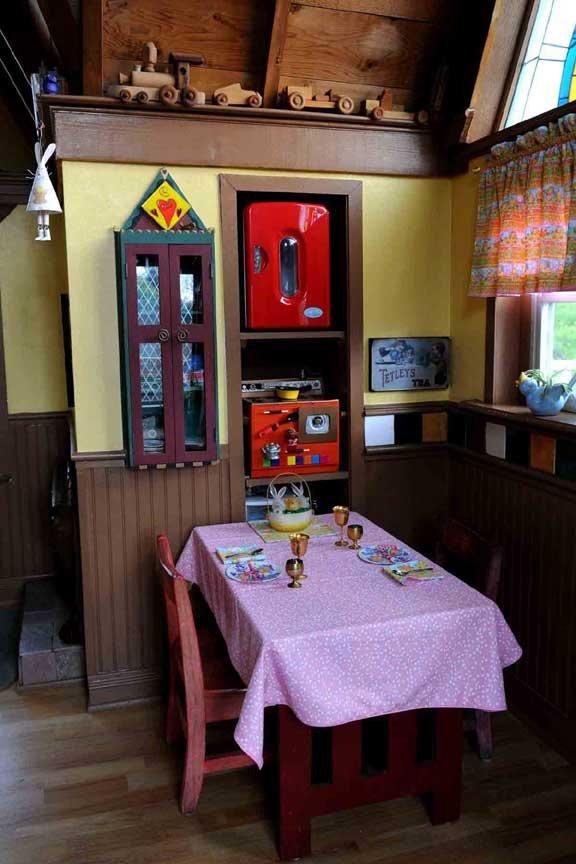 Фотография: Кухня и столовая в стиле Прованс и Кантри, Дом, США, Дома и квартиры – фото на InMyRoom.ru