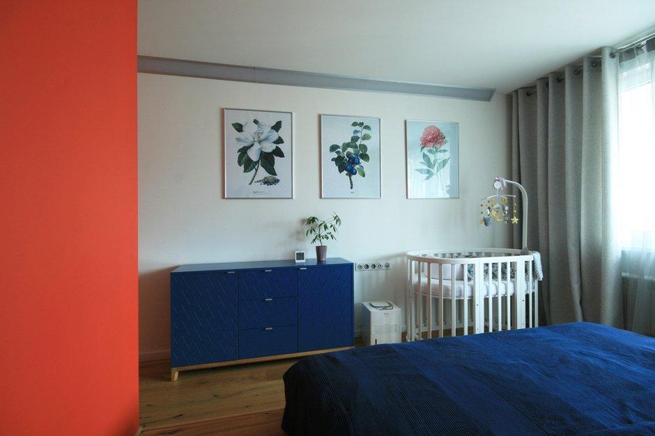 Фотография: Спальня в стиле Скандинавский, Квартира, Проект недели, Москва, Панельный дом, 2 комнаты, 60-90 метров, П44т – фото на INMYROOM