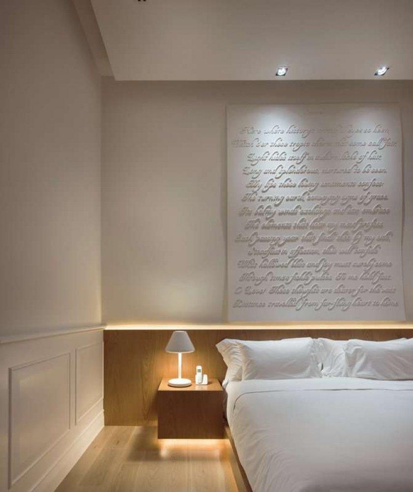 Фотография: Спальня в стиле Современный, Цвет в интерьере, Дома и квартиры, Городские места, Белый, Отель, Проект недели – фото на INMYROOM