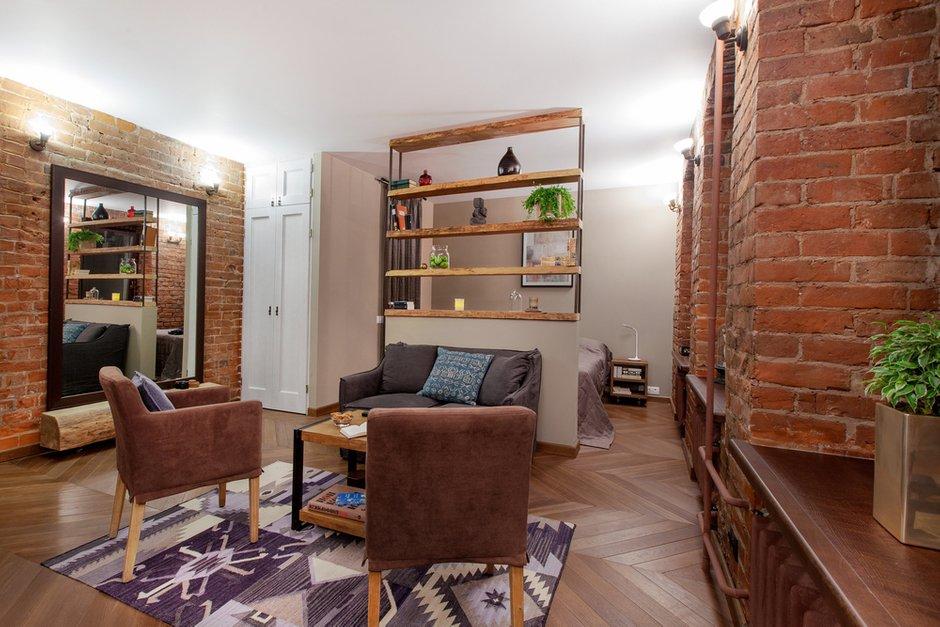 Фотография: Гостиная в стиле Лофт, Квартира, Студия, Проект недели, Красный, Коричневый – фото на INMYROOM
