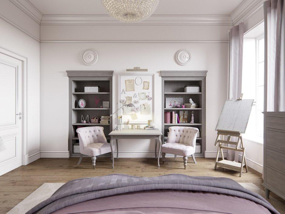 Дизайнер Светлана Чепикова, спальня в серых тонах с предметами из натурального массива и классической люстрой