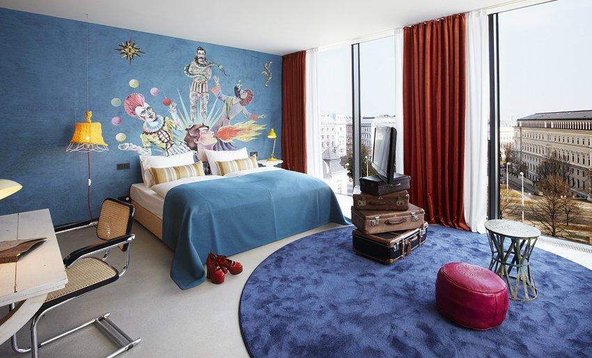 Фотография: Спальня в стиле Современный, Дома и квартиры, Городские места, Отель, Проект недели – фото на INMYROOM