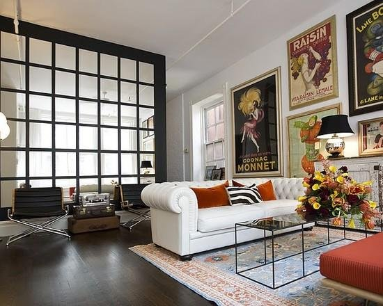 Фотография: Гостиная в стиле Эклектика, Декор интерьера, Дом, Декор дома, Стены, Постеры – фото на INMYROOM