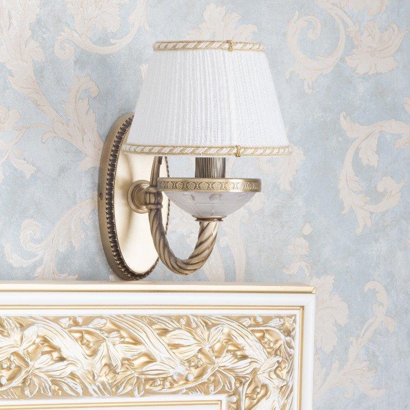 Фотография: Мебель и свет в стиле Классический, Спальня, Декор интерьера, Интерьер комнат, Проект недели – фото на INMYROOM