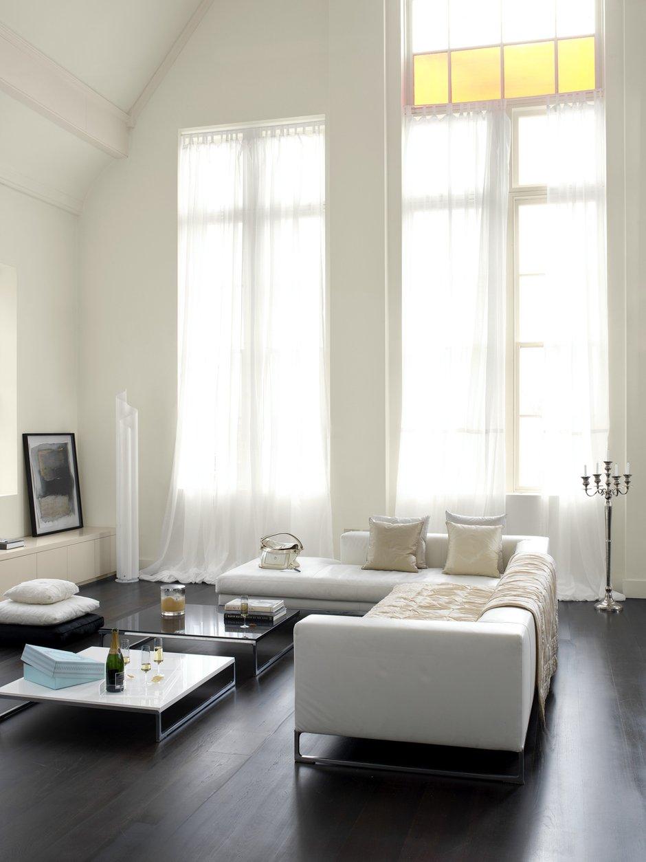 Фотография: Гостиная в стиле Современный, Декор интерьера, Дизайн интерьера, Цвет в интерьере, Белый, Dulux, Краска – фото на INMYROOM