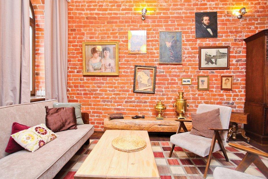 Фотография: Гостиная в стиле Лофт, Декор интерьера, Дом, Дома и квартиры, Стена – фото на INMYROOM