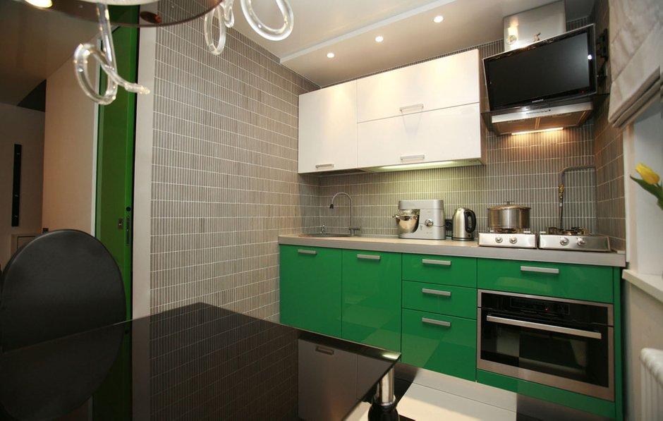 Фотография: Кухня и столовая в стиле Хай-тек, Квартира, Дома и квартиры, Перепланировка, Ремонт – фото на INMYROOM