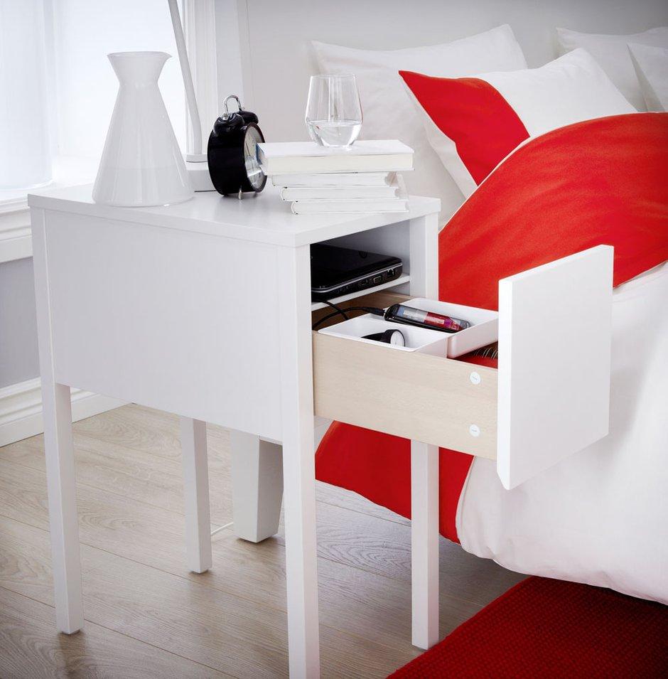 Фотография: Спальня в стиле Скандинавский, Современный, Эклектика, Декор интерьера, Мебель и свет – фото на INMYROOM