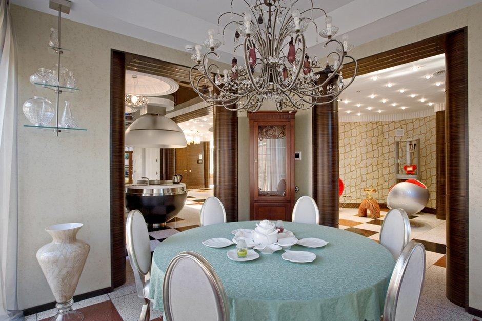 Фотография: Кухня и столовая в стиле Современный, Дом, Дома и квартиры, Ар-деко – фото на INMYROOM