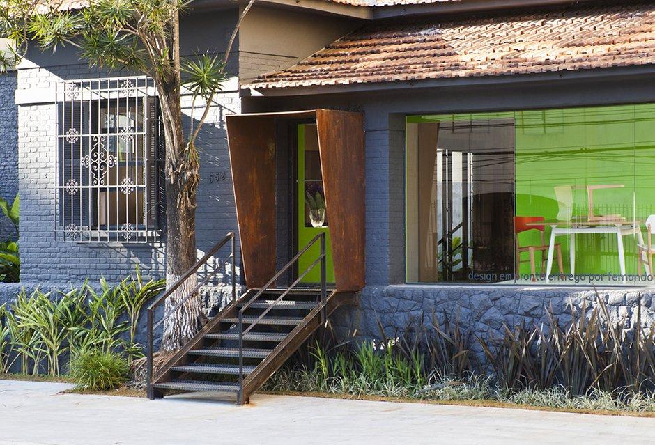 Фотография:  в стиле Прованс и Кантри, Дома и квартиры, Городские места, Стена – фото на INMYROOM