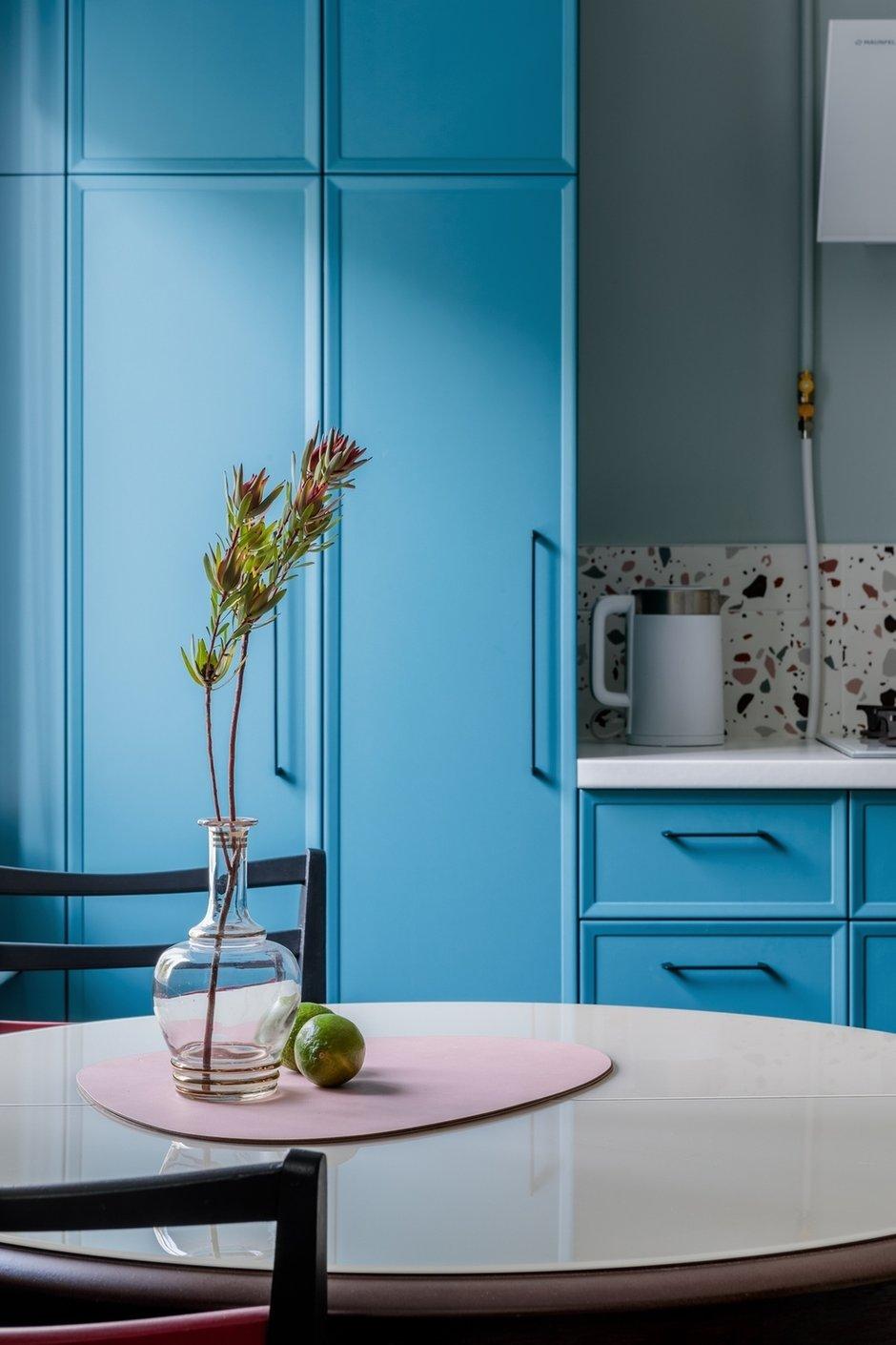 Фотография: Кухня и столовая в стиле Эклектика, Квартира, Проект недели, Москва, 3 комнаты, 60-90 метров, Валерия Шиманская – фото на INMYROOM