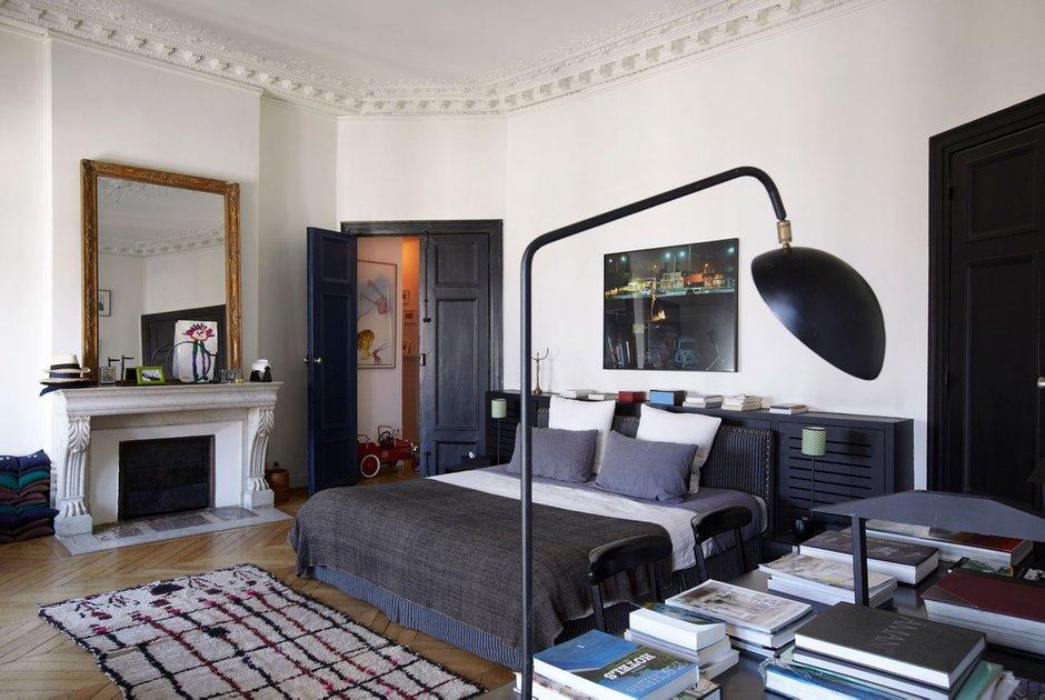 Фотография: Спальня в стиле Скандинавский, Современный, Декор интерьера, Квартира, Цвет в интерьере, Дома и квартиры, Черный, Париж – фото на INMYROOM
