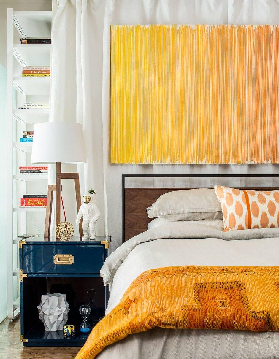 Фотография: Спальня в стиле Скандинавский, Декор интерьера, Малогабаритная квартира, Квартира, Нью-Йорк, Гид – фото на INMYROOM