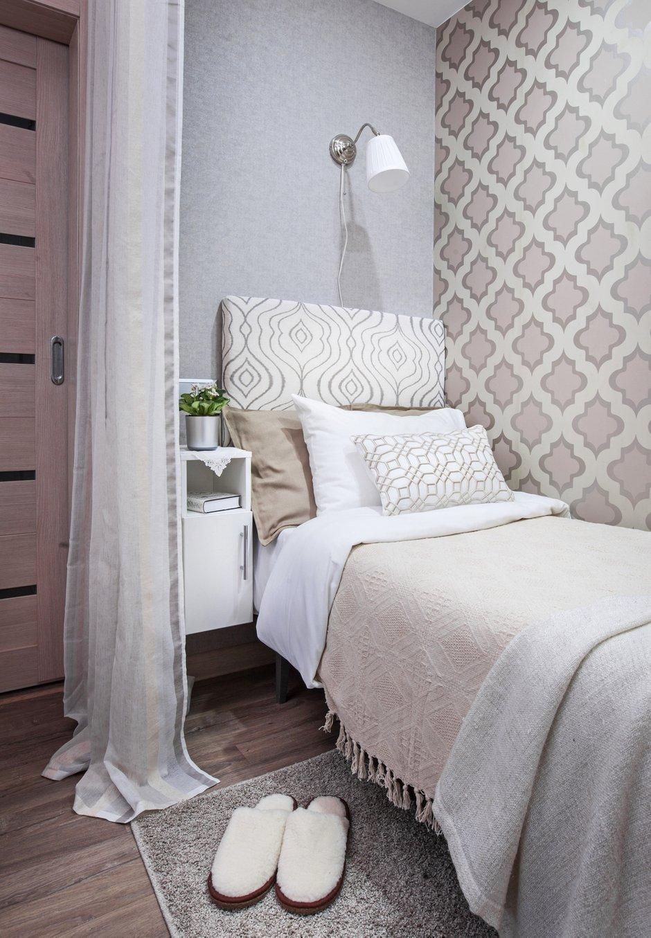 Фотография: Спальня в стиле Современный, Квартира, Проект недели, Москва, П-44, Панельный дом, 1 комната, до 40 метров, Жанна Студенцова – фото на INMYROOM