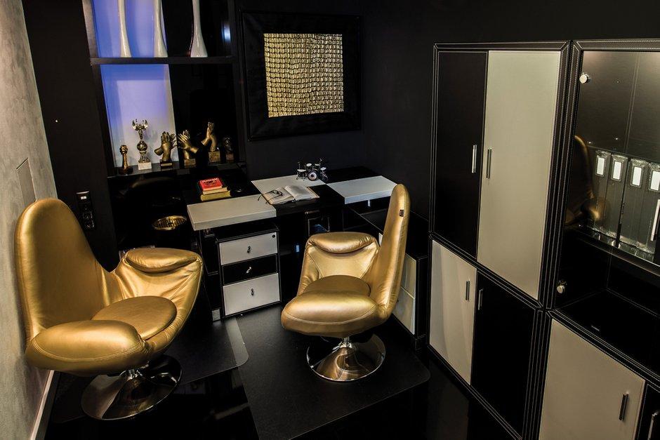 Фотография: Офис в стиле Хай-тек, Квартира, Дома и квартиры, Интерьеры звезд, Проект недели, Москва – фото на INMYROOM