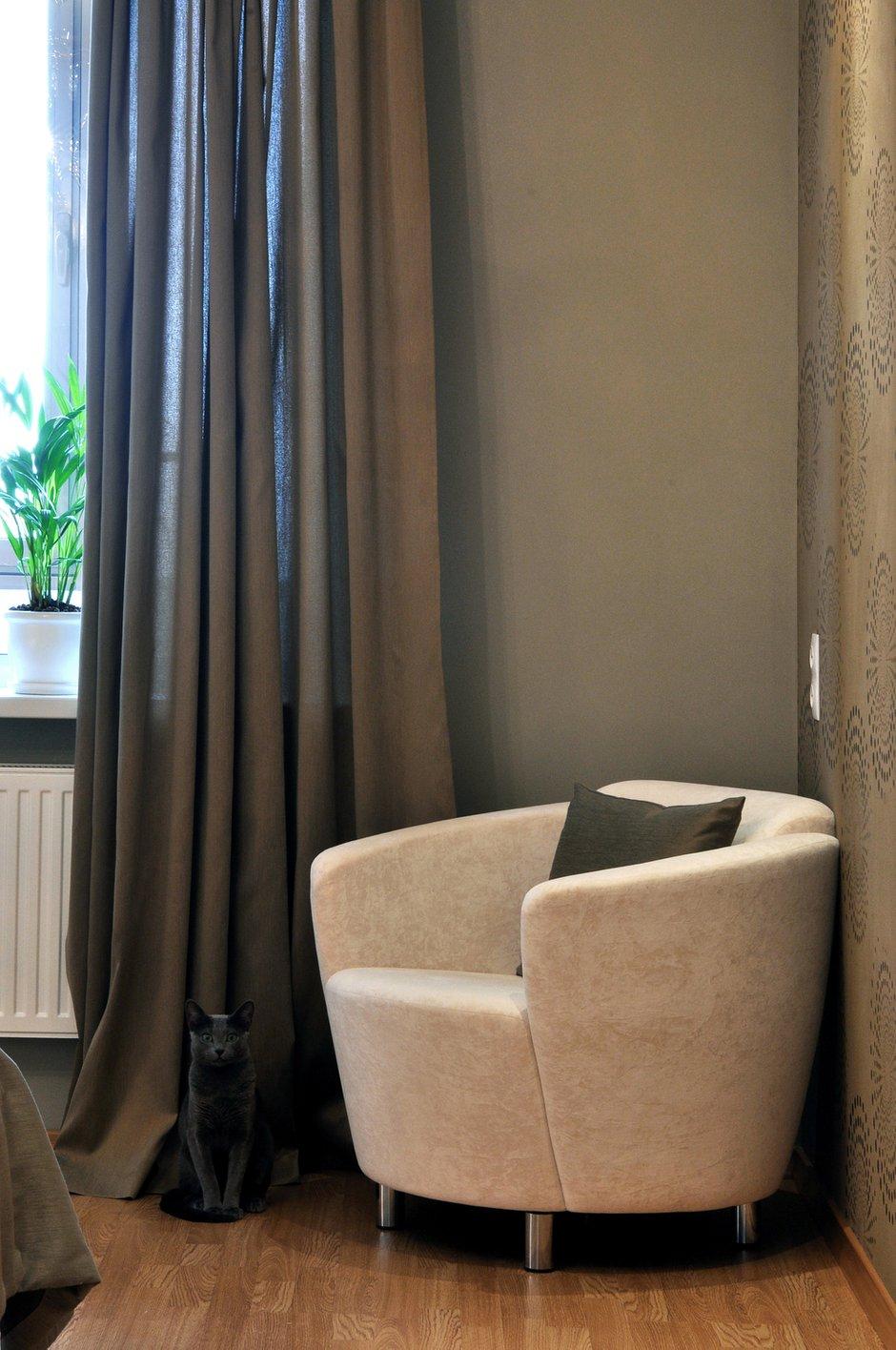 Фотография: Мебель и свет в стиле Современный, Малогабаритная квартира, Квартира, Цвет в интерьере, Дома и квартиры, Белый, Переделка – фото на INMYROOM