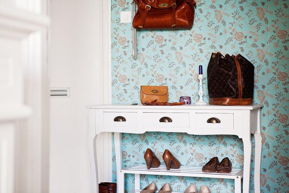 Фотография: Декор в стиле , Скандинавский, Малогабаритная квартира, Квартира, Швеция, Цвет в интерьере, Дома и квартиры, Белый – фото на INMYROOM