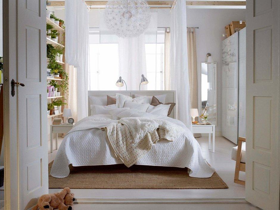 Фотография: Спальня в стиле Современный, Декор интерьера, Дизайн интерьера, Цвет в интерьере, Белый, Dulux, Краска – фото на INMYROOM