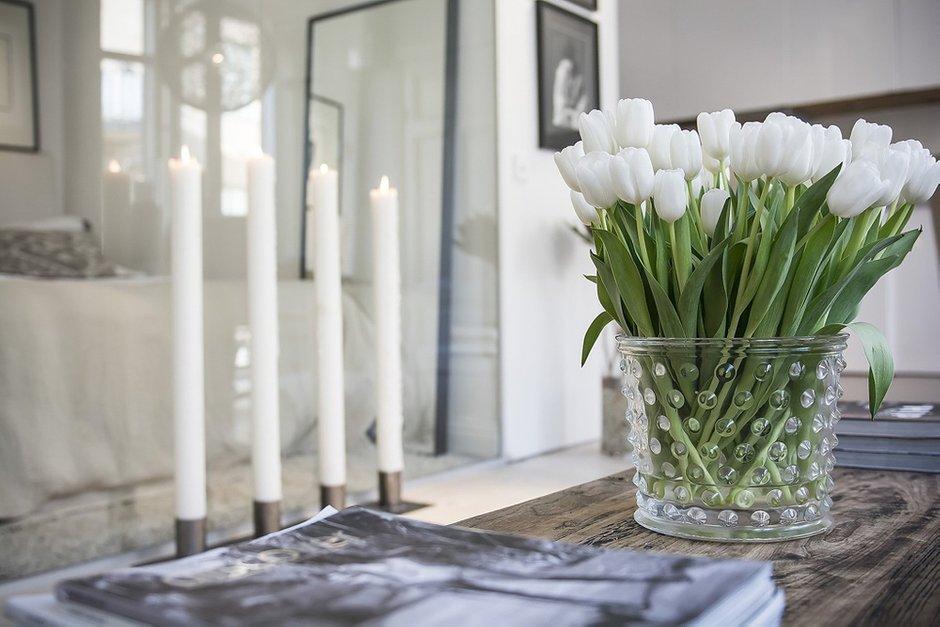 Фотография: Декор в стиле Современный, Спальня, Малогабаритная квартира, Квартира, Дома и квартиры – фото на INMYROOM