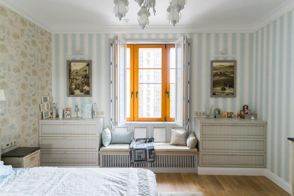 Фотография: Спальня в стиле Прованс и Кантри, Лофт, Квартира, Проект недели, Москва, Альбина Алиева, Монолитный дом, 4 и больше, Более 90 метров – фото на INMYROOM