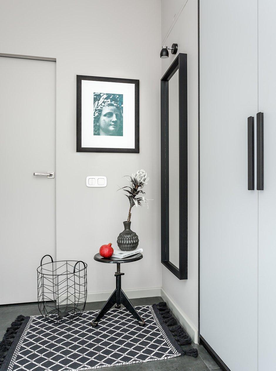 Фотография: Прихожая в стиле Современный, Квартира, Проект недели, Москва, Монолитный дом, 2 комнаты, 40-60 метров, Мария Безрукова – фото на INMYROOM