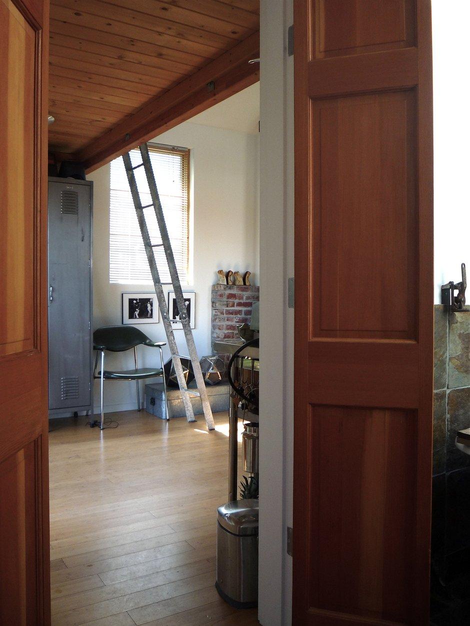 Фотография:  в стиле Лофт, DIY, Малогабаритная квартира, Квартира, Дом, Дома и квартиры – фото на INMYROOM