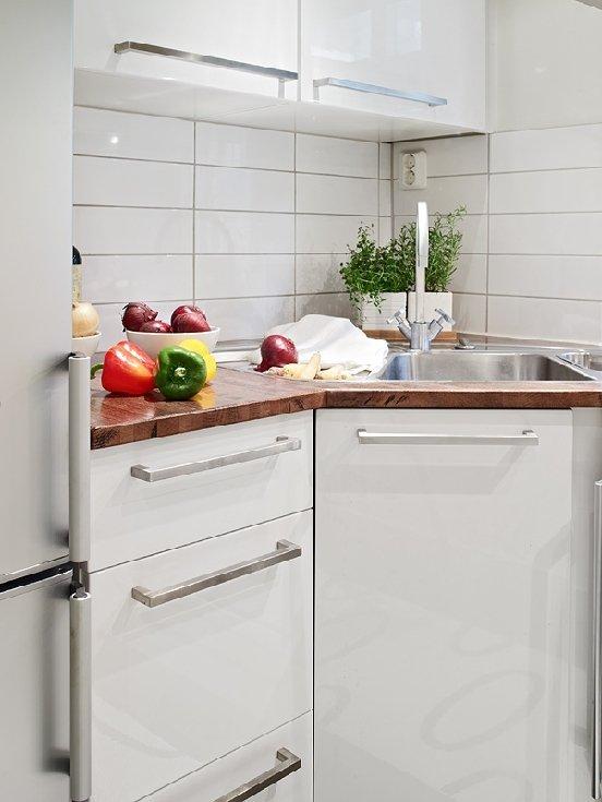 Фотография: Кухня и столовая в стиле Скандинавский, Современный, Малогабаритная квартира, Квартира, Швеция, Дома и квартиры – фото на INMYROOM