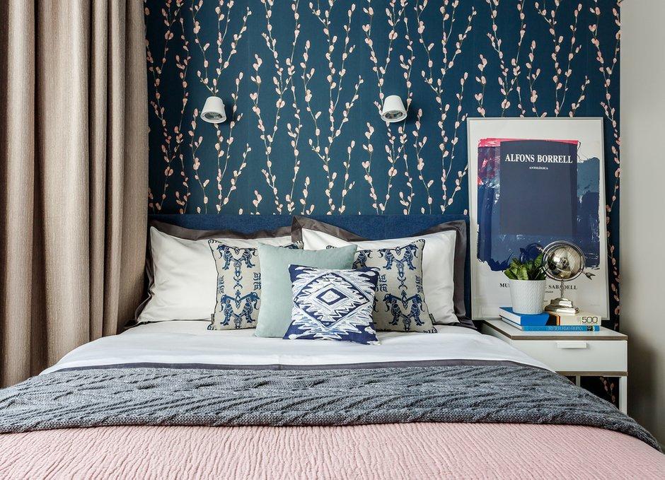 Фотография: Спальня в стиле Современный, Квартира, Проект недели, Москва, Монолитный дом, 2 комнаты, 40-60 метров, Мария Безрукова – фото на INMYROOM