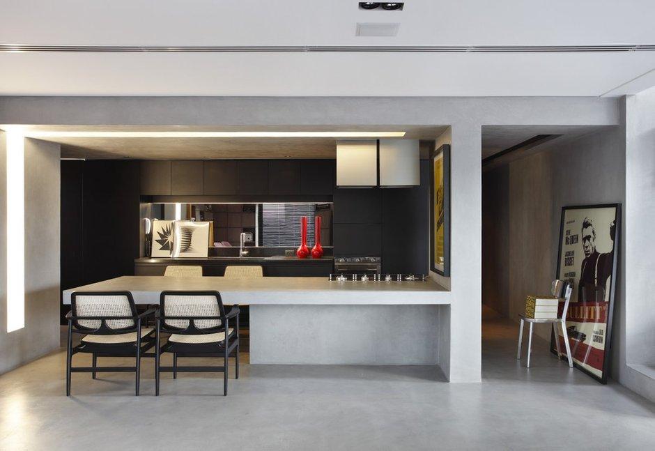 Фотография: Кухня и столовая в стиле Современный, Дом, Цвет в интерьере, Дома и квартиры, Серый, Бразилия, Пол, Сан-Паулу – фото на INMYROOM