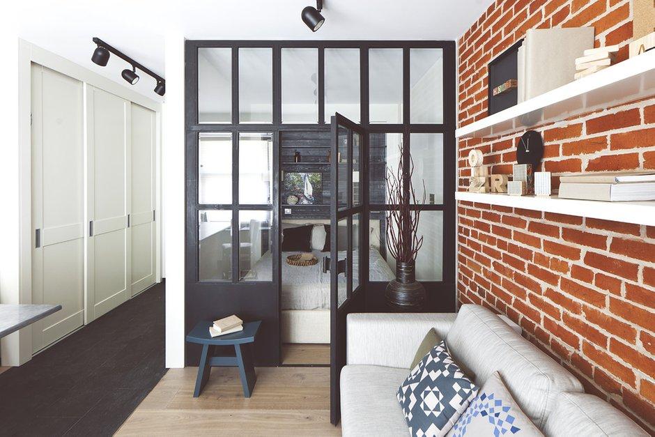 Фотография: Гостиная в стиле Лофт, Малогабаритная квартира, Квартира, Дома и квартиры, Проект недели, Надя Зотова – фото на INMYROOM