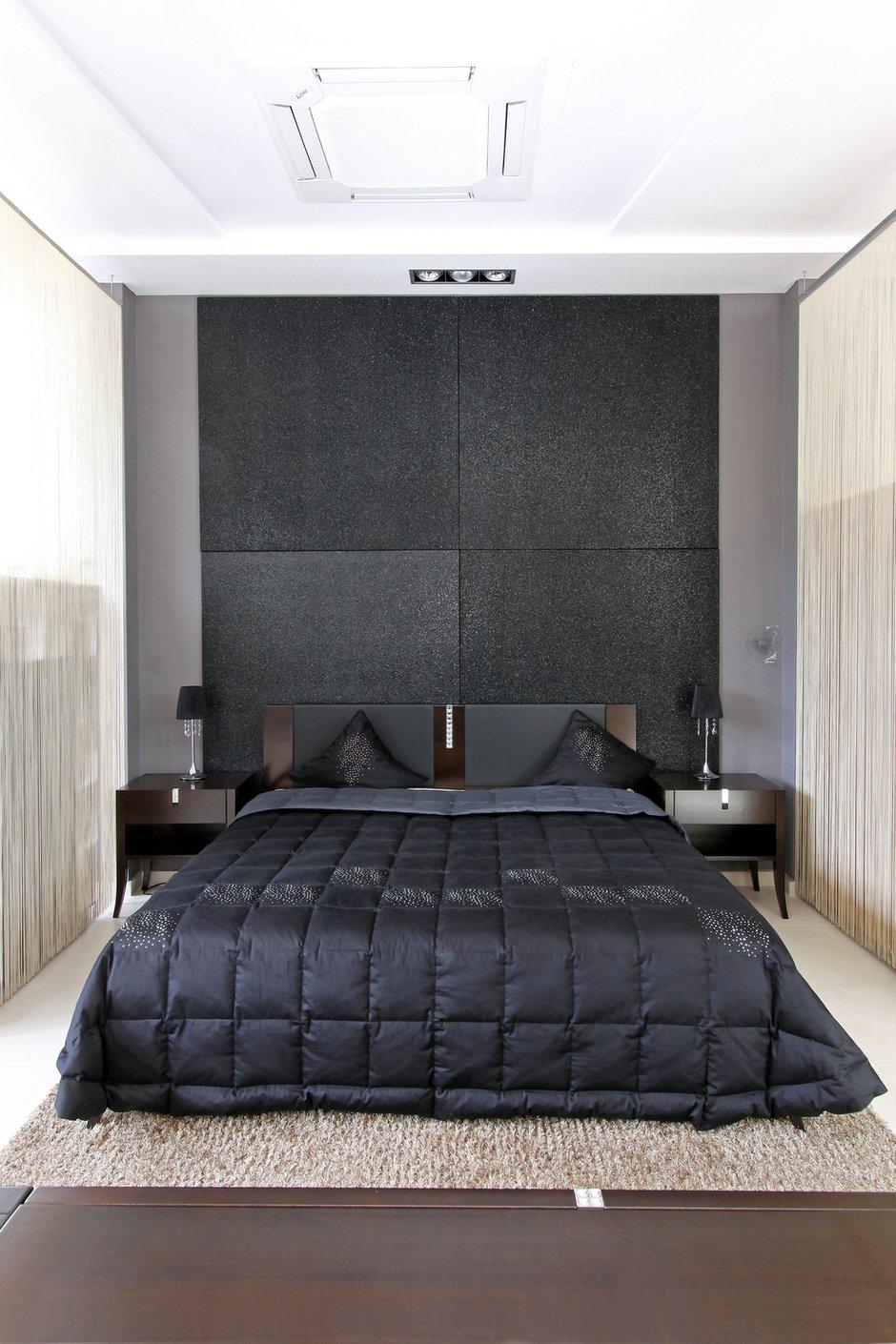 Фотография: Спальня в стиле Современный, Декор интерьера, Малогабаритная квартира, Квартира, Цвет в интерьере, Стиль жизни, Советы – фото на INMYROOM