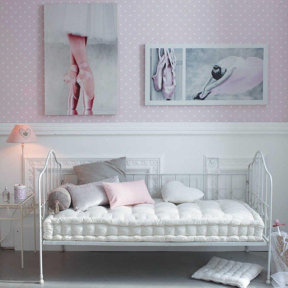 Фотография: Спальня в стиле Прованс и Кантри, Декор интерьера, Дом, Декор дома, Стены, Постеры – фото на INMYROOM