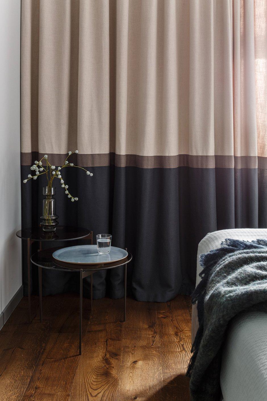 Фотография: Спальня в стиле Современный, Квартира, Проект недели, Москва, Монолитный дом, 4 и больше, Более 90 метров, Юлия Кишкович – фото на INMYROOM