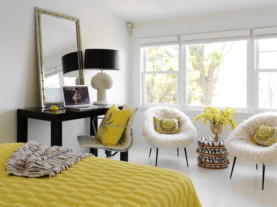 Фотография: Спальня в стиле Эклектика, Декор интерьера, Дизайн интерьера, Цвет в интерьере, Белый, Dulux, ColourFutures, Краски – фото на InMyRoom.ru