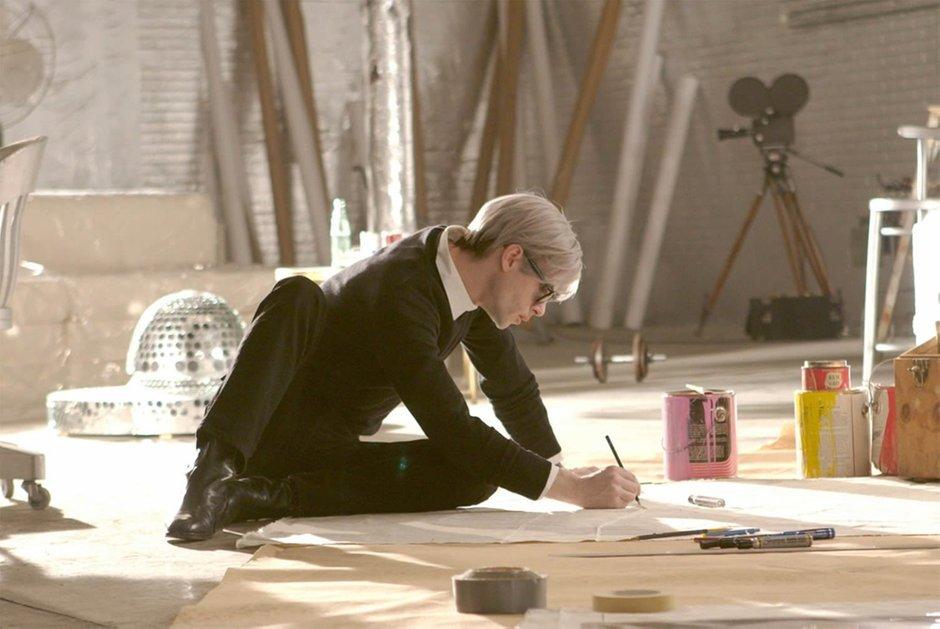 Интерьеры арт-студии The Factory из фильма «Как я соблазнила Энди Уорхолла»