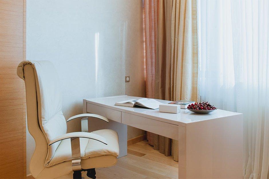 Фотография: Офис в стиле Современный, Квартира, Дома и квартиры, Москва – фото на INMYROOM